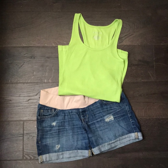 ce41acaf9d29 Fun Summer Maternity Outfit - tank top + shorts.  M 5b5d0246477368d86eaf40b7. Other Shorts you may like. Old Navy ...
